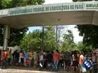 Pescadores fazem protesto na av. Almirante Barroso, em Belém