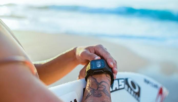 Segundo fabricante, gadget é o orimeiro do tipo dedicado ao surfe (Foto: Divulgação/Rip Curl)