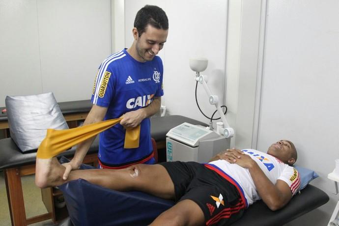 Anderson Pico, fisioterapia, Ninho do Urubu, Flamengo (Foto: Gilvan de Souza/ Fla Imagem)