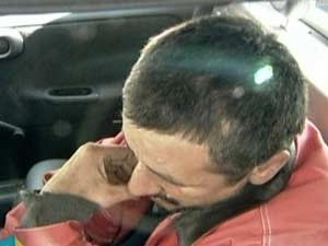 Homem foi levado para o 6º DP (Foto: Reprodução/TV Globo)