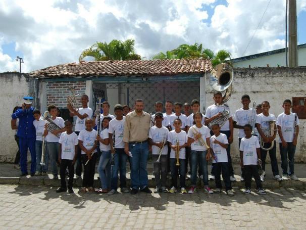 Crianças atendidas pelo projeto Sopro Popular do Recôncavo, que recebe apoio do Criança Esperança desde 2012 (Foto: Divulgação)