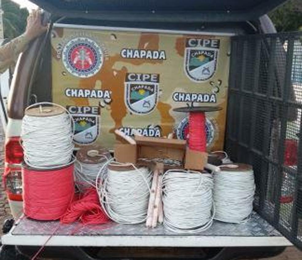 Explosivos foram apreendidos em Novo Horizonte, na Chapada Diamantina (Foto: Polícia Militar/ Divulgação)