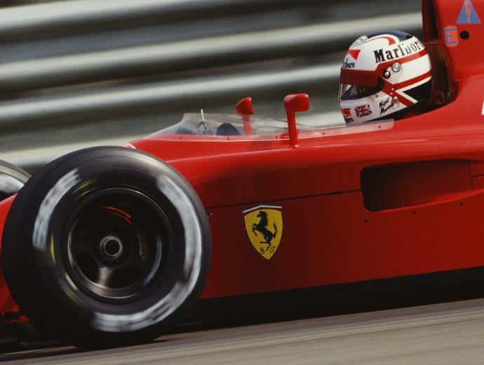 O capacete de Nigel Mansell trazia desenho inspirado pela bandeira britânica (Foto: Getty Images)
