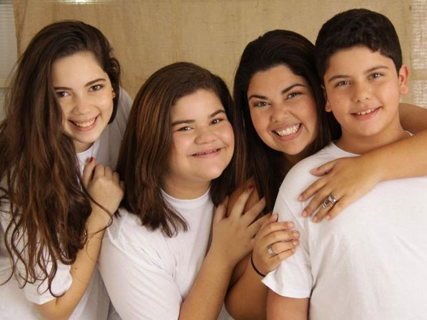 Fabiana Karla e seus filhos num momento família (Foto: Arquivo pessoal)