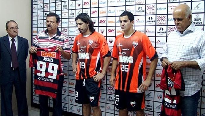 Josiel, atacante do Atlético-GO em 2010 (Foto: Comunicação/Atlético-GO)