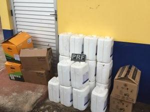 Agrotóxico não tinha autorização ambiental para transporte (Foto: PRF/Divulgação)