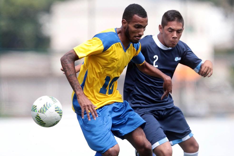 João Victor não conseguiu evitar a derrota do Brasil, que ficou com a prata (Foto: Felipe Rau/CPB/MPIX)
