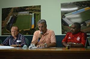 Antônio Aquino Lopes (esq.) vai assumir sexto mandato na FFAC em 2015 (Foto: Duaine Rodrigues)