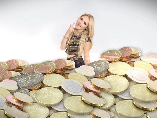 Megan Lily Parker-Marra, em cena do seu documentário, esbanja-se na sua fortuna (Foto: Parker TV)
