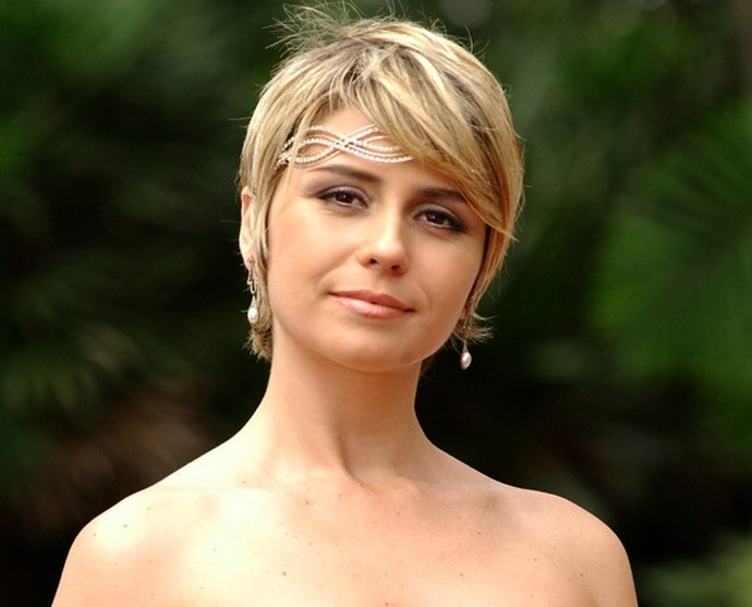 O corte loiro bem curtinho foi a marca de Giovanna Antonelli em Da Cor do Pecado (Foto: TV Globo)
