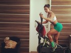 Gracyanne Barbosa acorda cedo para malhar e compartilha foto na web
