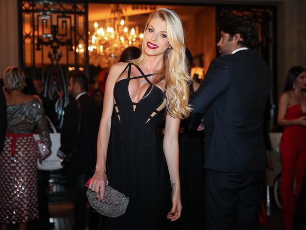 Caroline Bittencourt em festa em São Paulo (Foto: Manuela Scarpa e Marcos Ribas/ Brazil News)