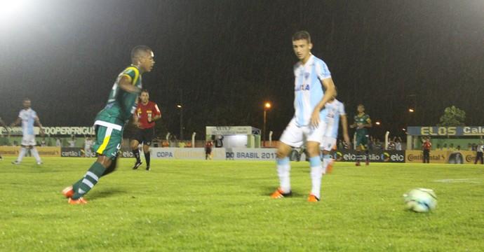Gurupi vence o Londrina na pressão do primeiro jogo oficial (Foto: Edson Reis/GloboEsporte.com)