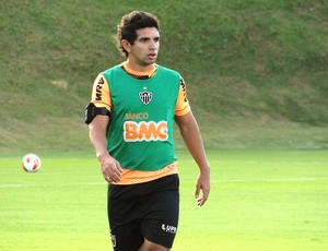 Guilherme treino Atlético-MG (Foto: Leonardo Simonini)