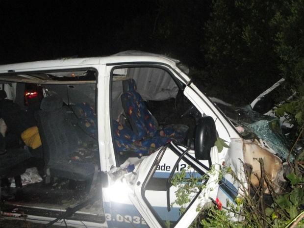 Acidente neste domingo (28), na BR-277, próximo a Capitão Leônidas Marques (Foto: Divulgação/ PRF)