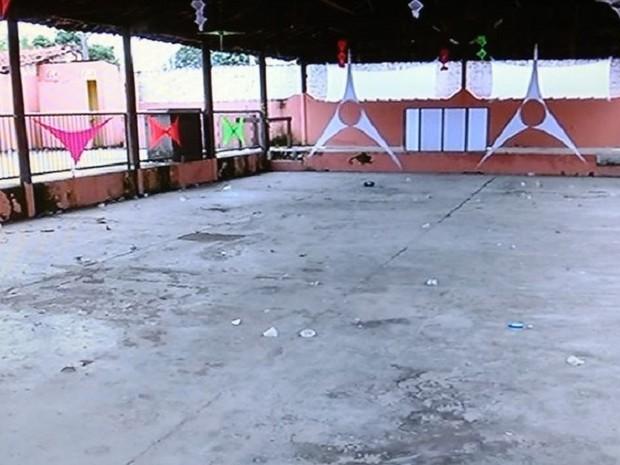 Local onde aconteceia o baile funk (Foto: Reprodução/TV Anhanguera)