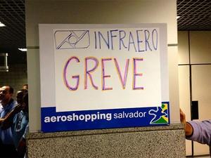 Funcionários da Infraero protestam e anunciam greve no aeroporto (Foto: Heider Mustafá / Arquivo Pessoal)