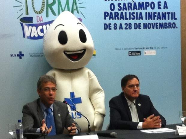 O ministro da Saúde, Arthur Chioro (esquerda), e o secretário de Vigilância em Saúde, Jarbas Barbosa (Foto: Raquel Morais/G1)