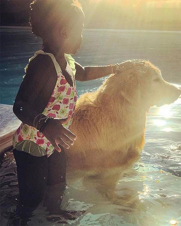 Titi e seu cachorro de estimação (Foto: Reprodução/Instagram)