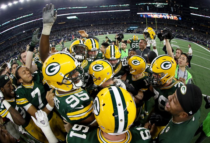 Jogadores do Green Bay Packers comemoram a classificação para a final da NFC (Foto: Getty Images)