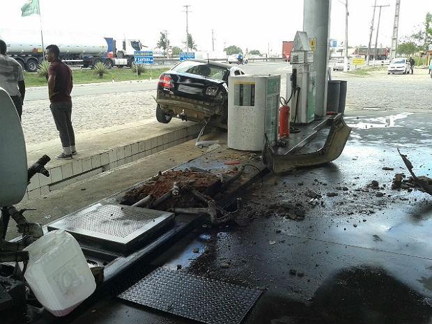 Acidente envolveu quatro veículos em Feira de Santana (Foto: Aldo Matos/Acorda Cidade)
