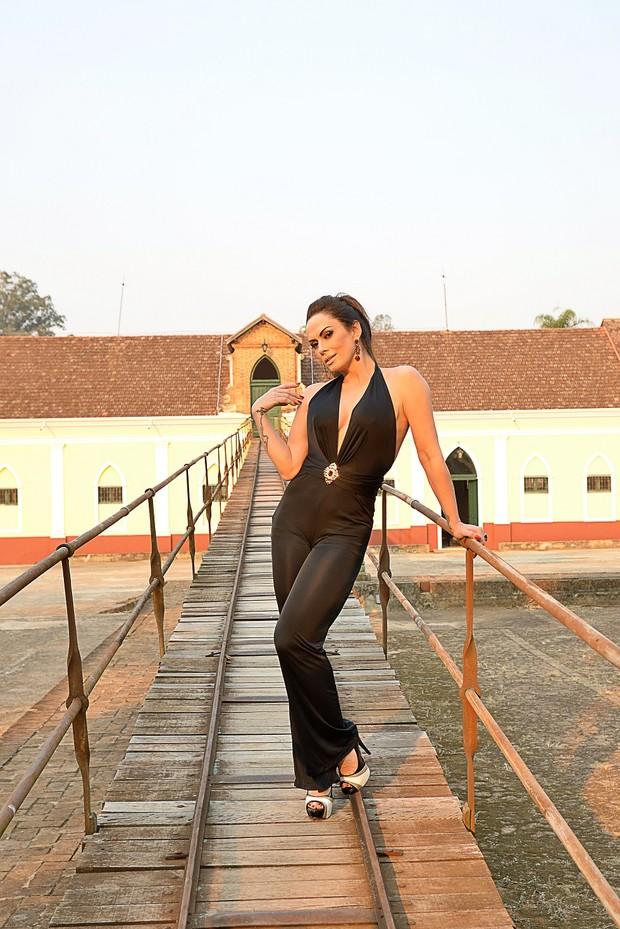 Núbia Oliiver  (Foto: Giba JR - Divulgação)