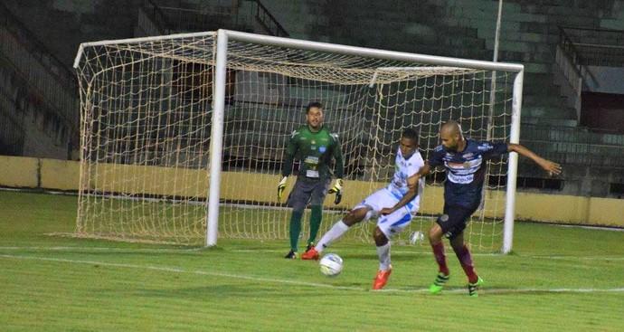 Sete de Dourados e Ivinhema no estádio Douradão (Foto: Noé Faria/FFMS)