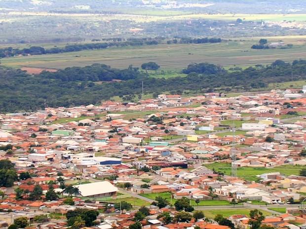 Estudantes participam de aulão sobre migração do sinal de TV Digital em Goiás (Foto: Reprodução/TV Anhanguera)