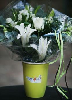 Vaso que permite transportar flores de corte sem derramar água, lançado na Expoflora 2012 (Foto: Humberto de Castro/Divulgação)