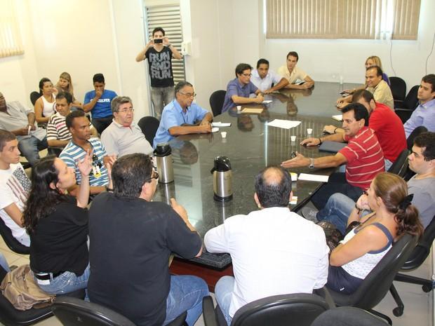 Cerca de 50 pofissionais da imprensa estiveram presentes na reunião. (Foto: Paulo Sérgio de Oliveira )