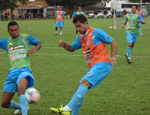 Eduardo Ramos não foge da responsabilidade no meio-campo do Paysandu (Foto: Gustavo Pêna)