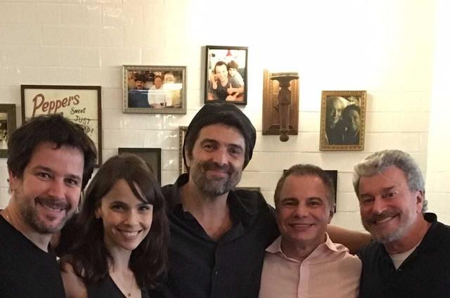 Murilo Benício, Débora Falabella, o diretor Manguinha, Ricardo Linhares e Edney Silvestre (Foto: Arquivo pessoal)