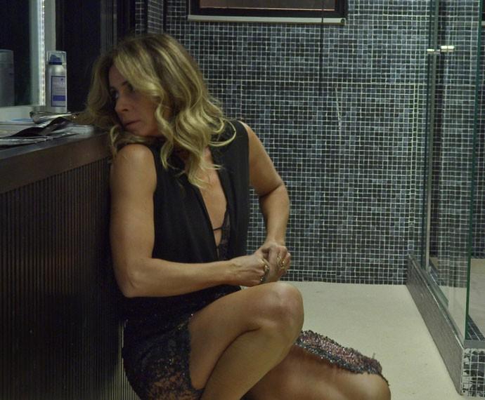 Golpista copia o molde da chave do ex-vereador (Foto: TV Globo)
