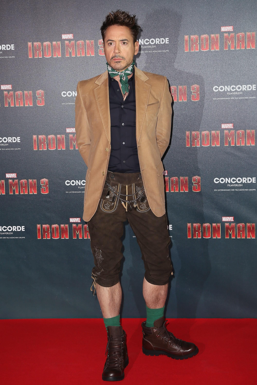 É provável que a roupa do Homem de Ferro deixasse o ator um pouquinho mais alto para incorporar o super-herói. (Foto: Getty Images)