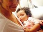 Samara Felippo posta foto com a filha caçula: 'Não dormi a noite toda'