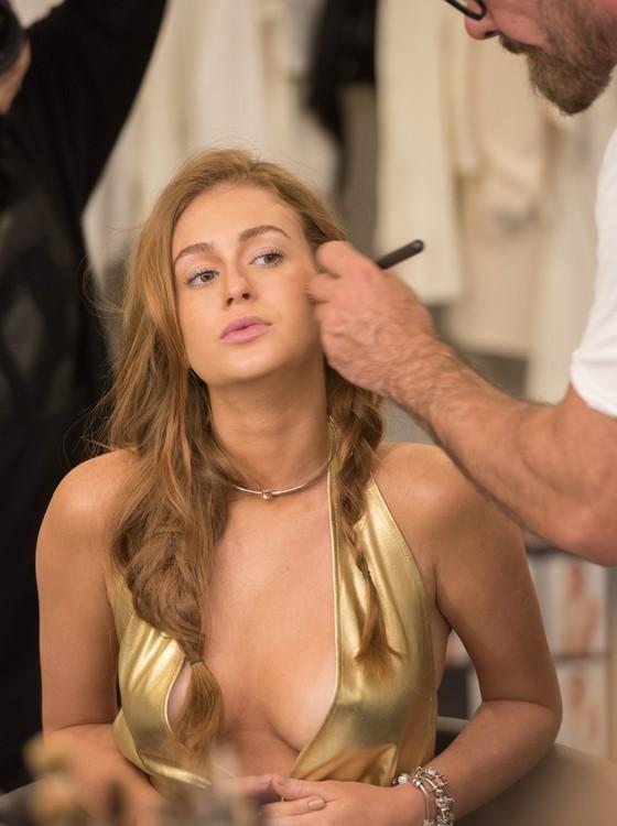 A atriz diz que está em ótimo momento, tanto na vida pessoal, quanto na profissional (Foto: Divulgação Vivara)