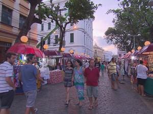 Nova medida vai impedir montagem de barracas na Rua Barão Rodrigues Mendes, concentrando artesãos apenas na Rua do Bom Jesus (Foto: Reprodução/ Tv Globo)