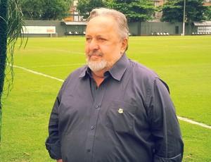 Luis Alvaro, o Laor, volta ao comando do Santos (Foto: Marcelo Hazan)