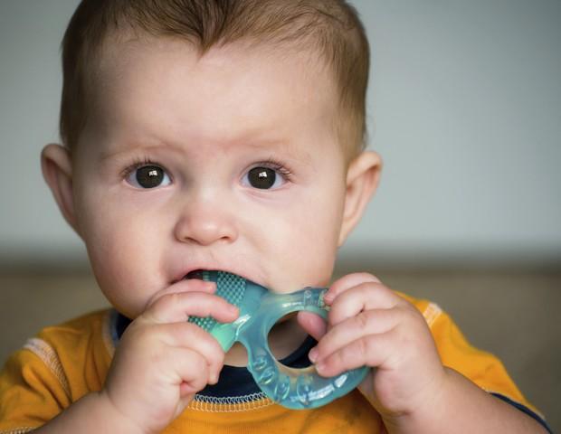 A irrupção dos dentes não causa febre: é uma coincidência (Foto: Thinkstock)