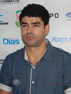 Ari Barros, gerente de futebol do Treze (Foto: Silas Batista / GloboEsporte.com)