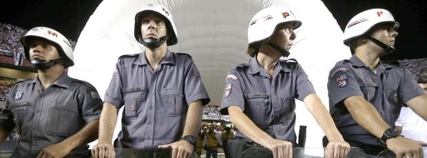 Policia, São Paulo e Tigres, AP (Foto: Agência AP)