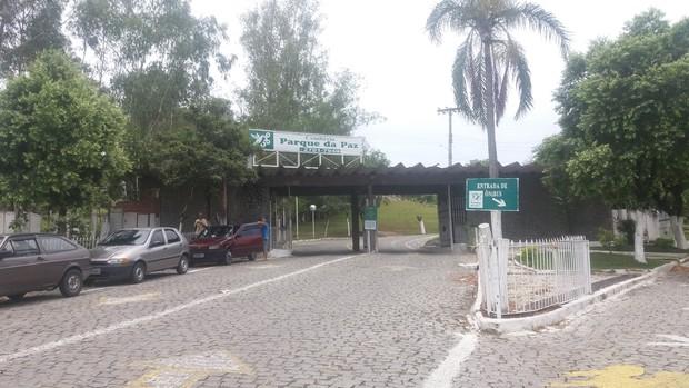 Cemitério Parque da Paz, em São Gonçalo (Foto: EGO)