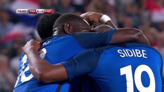 Giroud faz hat-trick, e França massacra Paraguai em amistoso
