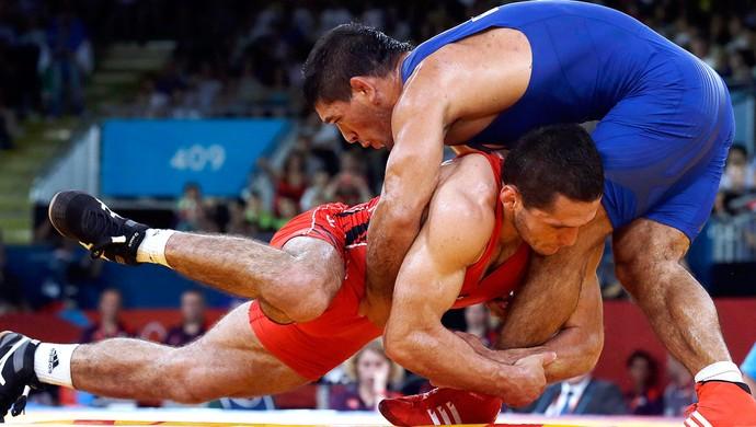 Soslan Tigiev luta olímpica Olimpíadas contra Gabor Hatos (Foto: AP)