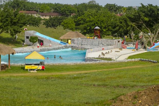 Parque aquático é uma das atrações do hotel fazenda de Marlene Mattos (Foto: Anderson Barros/EGO)