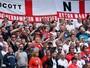 Em amistoso sem gols, ingleses ironizam pagamento da Fifa à Irlanda