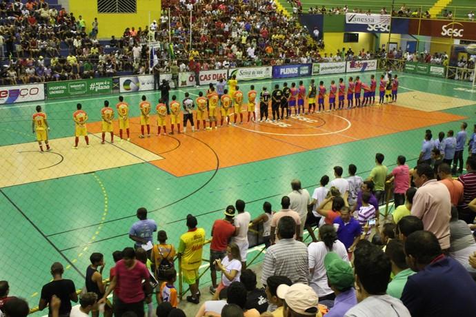 Cabrobó e Abaré durante cerimônia de abertura da 19ª Copa TV Grande Rio de Futsal (Foto: Magda Lomeu)