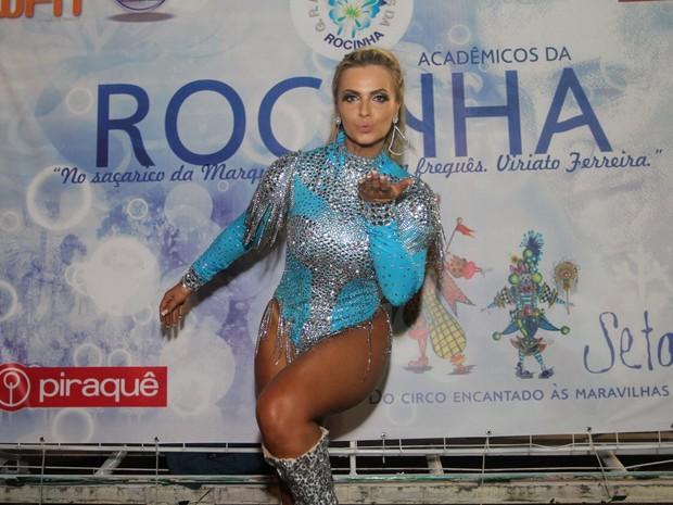 Veridiana Freitas em ensaio técnico da Rocinha na Marquês de Sapucaí, no Centro do Rio (Foto: Thyago Andrade/ MF Assessoria/ Divulgação)