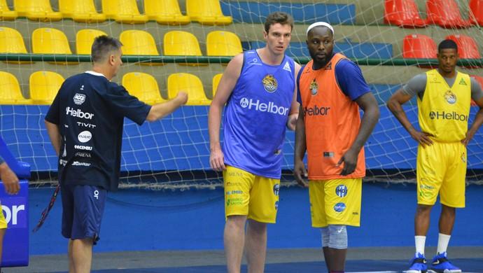 Guerrinha Tyrone Mogi das Cruzes basquete (Foto: Vitor Geron)