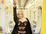 Jéssica Lopes posa de lingerie em metrô e revela: 'Mando e recebo nudes'